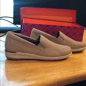 Shoes - Tan Snake Skin Style Walking Cradles